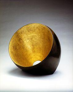 Hervé Wahlen - 1998  représenté par la galerie Michel Giraud / Paris Sheila Hicks, Feuille D'or, Herve, Gold Leaf, Metal Art, Heavy Metal, Serving Bowls, Decorative Bowls, Tapestry