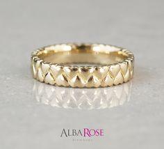 Alba Rose - Gold interlocking hearts wedding ring  http://www.albarose.com/product/53926_53926