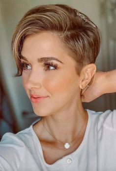 96 Amazing Pixie Haircuts with Side Swept Ideas for Best 10 Trendy Short Hairstyles with Bangs, 61 Extra Cool Pixie Haircuts for Women Long & Short Pixie, 35 Types asymmetrical Pixie to Consider, 10 Short Haircuts for Round Faces. Pixie Haircut For Thick Hair, Longer Pixie Haircut, Short Pixie Haircuts, Pixie Hairstyles, Short Hair Cuts, Cool Hairstyles, Pixie Cuts, Punk Pixie Haircut, Shaved Hairstyles