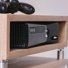 La mesa con cajon suspendido es ideal para guardar la Xbox o la PS! . . . #bilan #madera #diseñocolombiano #estilonordico #bilanhome #flormorado #decoracion #interior #muebles #xbox#playstation #mesas #decoracion