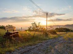Guten Morgen am 10. Juni werden hier bei km 60 ca. 800 Wanderer der #100kmrundumjena dem Sonnenaufgang entgegen gehen. #wanderlust #thueringen_entdecken #jena #jenaparadies #100km #wanderung #moments #bank #sunrise #nieaufgeben #horizontalejena