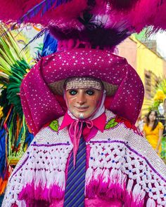 Carnaval de Tlaxcala México  #paisaje #landscape #instagramers #instagramhub #viajar #travel #mexico #turismo #pasionxmexico #vive_mexico #mexico_maravilloso #mexicolors #mexigers #visitmexico #mexicomagico #mexicolindo #fotografia #photography #tlaxcala #carnaval #cdmx_oficial  #mexicoesmagia #mascara #color #colors http://ameritrustshield.com/ipost/1548339669899674925/?code=BV8zrnwBAUt