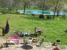 A Tuscan Sunday morning: Sun and Newspaper!