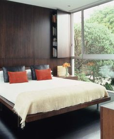 Buy Bedroom Group Platform Bed from Marmol Radziner - Beds - Bedroom - Furniture - Dering Hall Home Interior Design, Interior Architecture, Bedroom Furniture, Furniture Design, Bedroom Interiors, 21st Century Homes, Mid Century, Guest Bedrooms, Guest Room