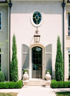 22 trendy Ideas for house exterior french country patio Exterior Design, Interior And Exterior, Exterior Shutters, Exterior Paint, French Exterior, Home Modern, French Cottage, House Entrance, French Country Style
