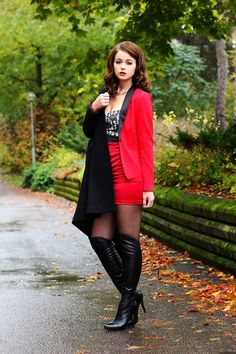 Anna Dello Russo, Red Hood, Kappa, Fashion Boots, Dame, Heeled Boots, Punk, Blazer, Heels