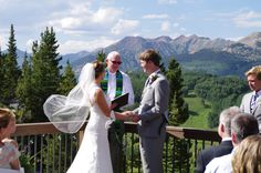 Coolest way to get to your wedding weddings at crested for Uley s cabin crested butte wedding