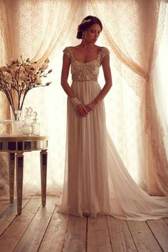 Stunning Wedding Dresses by Anna Campbell #bride #wedding dress| http://weddingdressblogimages.13faqs.com
