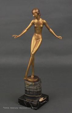A stylish Art Deco Austrian bronze  figure by Josef Lorenzl circa 1930s