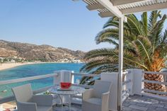 Cycladic chic rooms with magnificent view to #Mylopotas beach