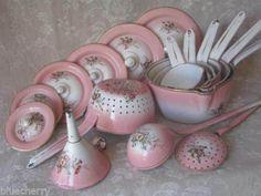 Beautiful enamelware set.