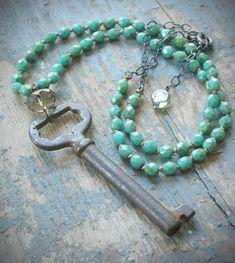 verde menta había anudada collar vintage llave por valbdesigns