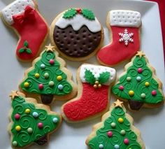 X-mas cookies with fondant Christmas Biscuits, Christmas Tree Cookies, Iced Cookies, Christmas Sweets, Noel Christmas, Christmas Goodies, Holiday Cookies, Christmas Candy, Christmas Baking