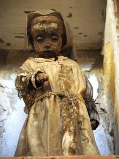 Catacombs of the Capuchins (Catacombe dei Cappuccini) (Palermo . Ancient Mysteries, Ancient Artifacts, Titanic, Creepy But True, Bog Body, Post Mortem Pictures, Egyptian Mummies, Haunted Dolls, Religion