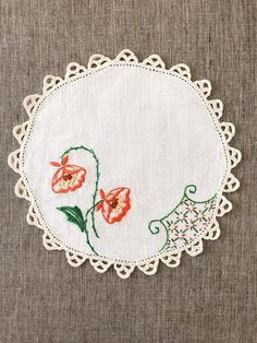Vintage Embroidered Table Linen, embroidery of orange and green flowers, vintage decorative cloth, crochet lace edge Rose Embroidery, Hand Embroidery Stitches, Hand Embroidery Designs, Hand Stitching, Embroidery Patterns, Cross Stitch Patterns, Poppy Pattern, Crochet Lace Edging, Knitted Booties