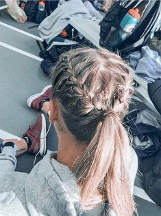 72 Easy And Cute Back To School Hairstyles You Must Try Easy Hairstyles cute Easy hairideas hairschoo Hairstyles School Medium Hair Styles, Curly Hair Styles, Long Hair Ponytail Styles, Hair Medium, Braid Styles, Athletic Hairstyles, Cute Volleyball Hairstyles, Cute Sporty Hairstyles, Cute School Hairstyles