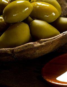 Składnik oliwy z oliwek rozwala ściany komórek nowotworowych i uśmierca je - http://tvnmeteoactive.tvn24.pl/inne-aktywnosci,3019/skladnik-oliwy-z-oliwek-rozwala-sciany-komorek-nowotworowych-i-usmierca-je,187679,0.html