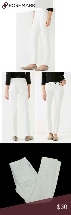 """J Jill white jeans🍭 🍭J Hill white slimming stretch ankle jean. Size 4. 99% cotton. 1% spandex. Waist 14 1/4"""". Inseam 27"""". Rise 8"""". Excellent condition. Worn only a few times. J Jill Jeans Ankle & Cropped"""