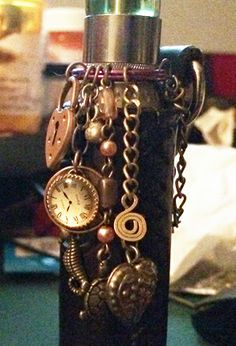 Bling ring, steampunk dangle style