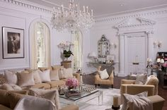 Pure Elegance \ Designer: Ally Coulter | NYC Apartment