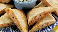 Serve these rich, smoky empanadas with a side of sour cream topped with chopped fresh chives or green onions. Seafood Casserole Recipes, Seafood Recipes, Cooking Recipes, Seafood Curry Recipe, Curry Recipes, Sea Food Salad Recipes, Seafood Bisque, Bisque Soup, Seafood Buffet