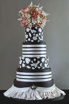 Brown and white cake by Art and Appetite, via Flickr