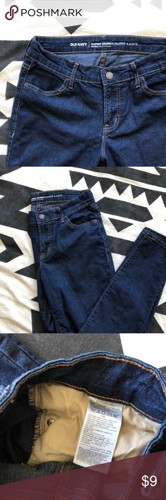 Dark denim super skinny mid-rise jeans Only worn once or twice! Old Navy dark denim super skinny jeans. Material is a bit stretchy, so these are super comfy! Old Navy Jeans Skinny