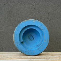 Pieza cuenco azul Industrial, Vintage, Filing Cabinets, Blue Nails, Vintage Comics