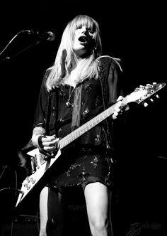 Grace Potter is a badass. Grace Potter, Women Of Rock, Rocker Girl, Guitar Girl, Female Guitarist, Debbie Harry, Sound Of Music, Gods And Goddesses, Aesthetic Photo