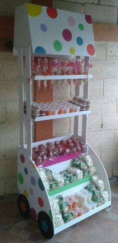 Discover thousands of images about carro dulcero mdf candy bar mueble dulces altura Candy Buffet Tables, Candy Table, Candy Stand, Sweet Carts, Candy Display, Candy Cart, Craft Show Displays, Ideas Para Fiestas, Party Props