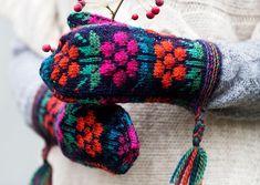 Tee itse somat perinnelapaset: 17 maakuntaa, 17 ohjetta | ET Knitting Charts, Knitting Patterns, Knit Mittens, Friendship Bracelets, Diy, Jewelry, Knits, Lace Gloves, Knit Patterns