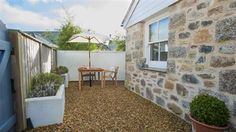 CORNWALL: The Store Room - Mousehole (Fully Enclosed Garden)