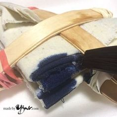 Do your own Simplified Shibori Dyeing with these instructions, 4 different patterns are an easy introduction to shibori dyeing using fibre reactive dye. Tie Dye Folding Techniques, Fabric Dyeing Techniques, Cut Shirt Designs, Tie Dye Designs, Simple Tie Dye Patterns, Textiles, Tie Dye Party, Tie Dye Crafts, Fibre And Fabric