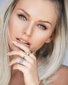Sexy blonde amateur blowjob
