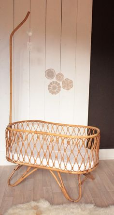 Image of Berceau vintage en rotin années for the first months in the master bdr. Baby Bassinet, Baby Cribs, Baby Bedroom, Kids Bedroom, Nursery Inspiration, Baby Furniture, Kid Spaces, Baby Decor, Rattan