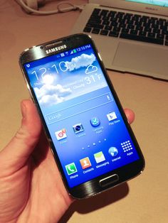 Samsung Galaxy S 4 Beats The Best With Display, Processor, Gesture Controls And A 2013 Release – TechCrunch Latest Technology Gadgets, Mobile Technology, Gadgets And Gizmos, Cool Gadgets, Latest Smartphones, New Phones, Smart Phones, Mobile Phones, Tech Toys
