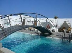 The swimming pool at Aressana Spa Hotel & Suites in Santorini, Greece www.aressana.gr