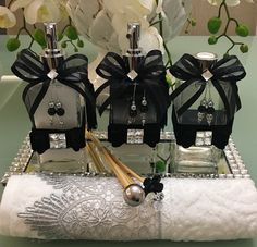 Kit lavabo 3 peças  1 sabonete líquido 250ml  1 home spray 250kl  1 difusor 250ml  *nao inclui bandeja, não inclui toalha