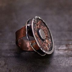 Jewelry | Jewellery | ジュエリー | Bijoux | Gioielli | Joyas | Art | Arte | Création Artistique | Artisan | Precious Metals | Jewels | Settings | Textures | copper and sterling silver ring