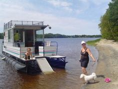 house boat pictures | Homemade Houseboats - enjoying a great home built pontoon boat