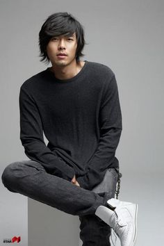 Esteeming: Hyun Bin – The Fangirl Verdict Asian Boy Haircuts, Asian Man Haircut, Hipster Haircuts For Men, Asian Men Hairstyle, Hyun Bin, Korean Star, Korean Men, Asian Actors, Korean Actors