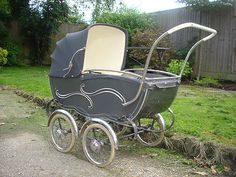 Vintage Dutch 'Vandelft' full size baby Pram - like the pinstriping Baby Kind, Pram Stroller, Baby Strollers, Silver Cross Prams, Baby Cheeks, Vintage Pram, Prams And Pushchairs, Dolls Prams, Childhood