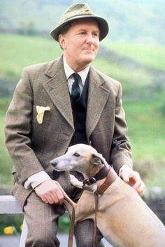 Siegfried Farnon. That English country look.