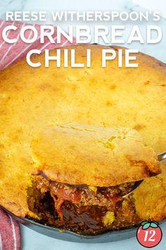 Cornbread Pie Recipe, Chili Cornbread Casserole, Cornbread With Corn, Jalapeno Cheddar Cornbread, Casserole Dishes, Beef Dishes, Food Dishes, Chili Recipes, Mexican Food Recipes