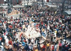 Ben and Jerry's built the world's largest ice cream sundae in St. Albans, VT on April 15,1983. It weighed a whopping 27,102 lbs! Now that's a lot of ice cream!