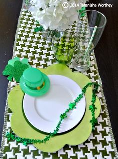 Frugal St. Patrick's Day table decor and place setting ideas