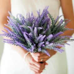 In love with this lavender bouquet! Can you believe it's not real? Looks so gorgeous! You can buy these faux lavender sprigs from Good Grace on Amazon via the link in our profile! #lavender #weddingbouquet #weddings #flowers #artificialflowers #goodgrace #affiliate // See this post on Instagram: http://ift.tt/2gDJtDH