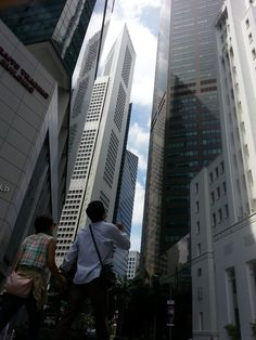 WOW !! How tall are these buildings??? Raffles place #Singapore