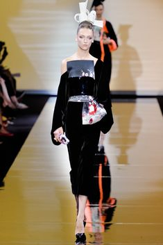 Armani Privé Fall 2011 Couture Fashion Show - Daga Ziober (Elite)