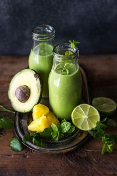 Watercress, Avocado And Lime Smoothie How To Make - Claire Justine Yummy Smoothies, Avocado Drink, Watercress Recipes, Healthy Drinks, Healthy Recipes, Gastro Pubs, Superfood, Kids Meals